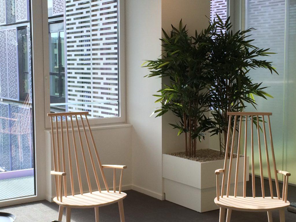 plante bambou artificiel en bac blanc