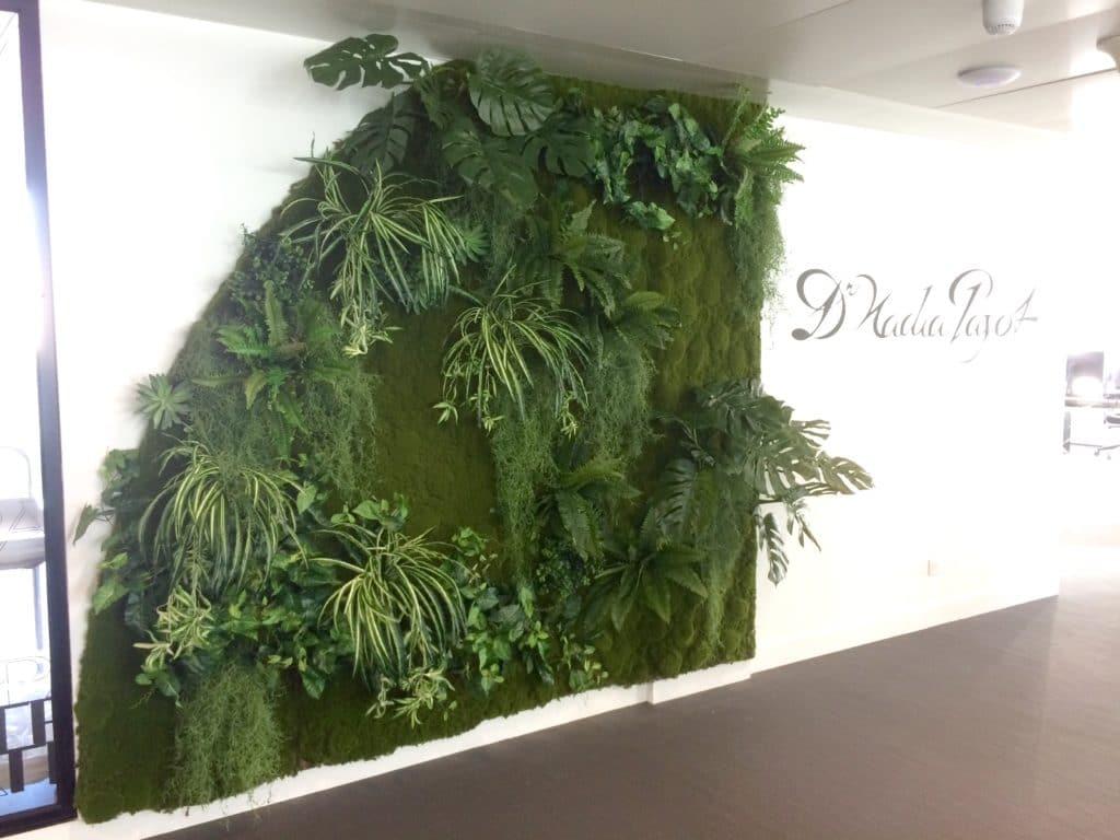 Mur végétal en plantes artificielles
